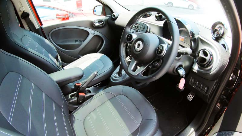 smart foufour interior frontseat